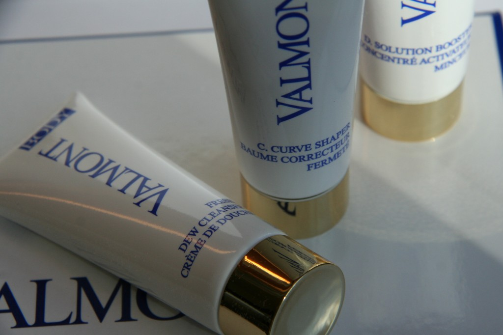 Review Valmont Fresh Cleanser, D. Solution Booster en C. Curve Shaper-4